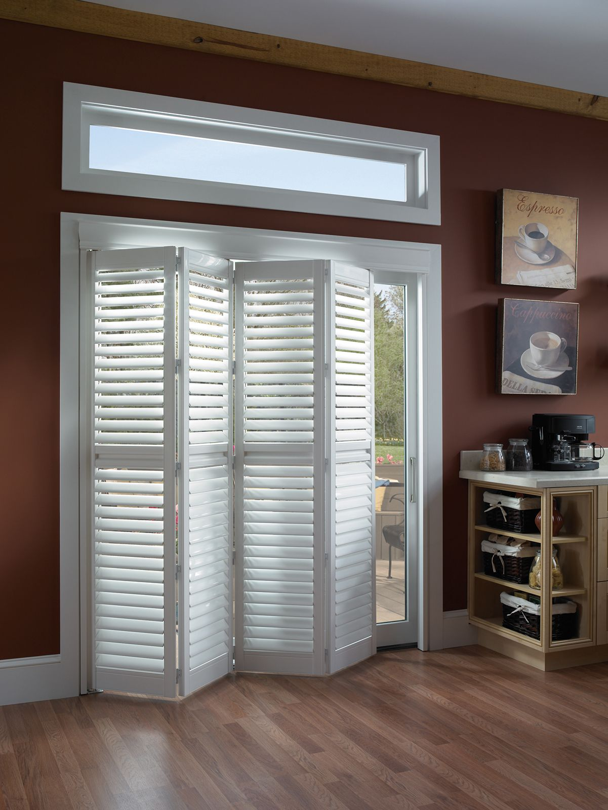 Cotton • Two panel Bi-Fold doors • 2½ inch louver • Deluxe Divider Rail • Decorative Valance • UltraClearview® hidden rear tilt