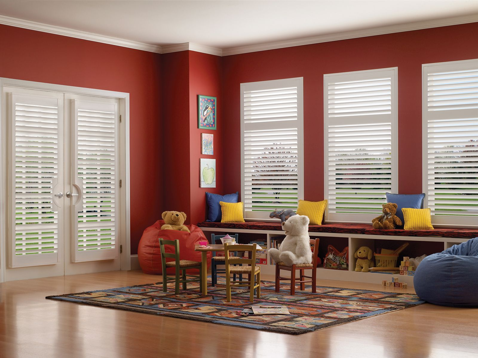Cotton • 2½ inch louver • French Door Cut-out • Divider Rail • UltraClearview® hidden rear tilt