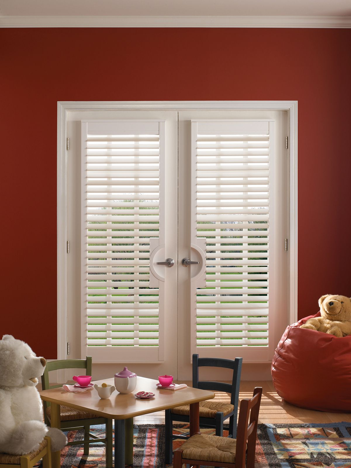 Cotton • 2½ inch louver • French Door Cut-out • UltraClearview® hidden rear tilt